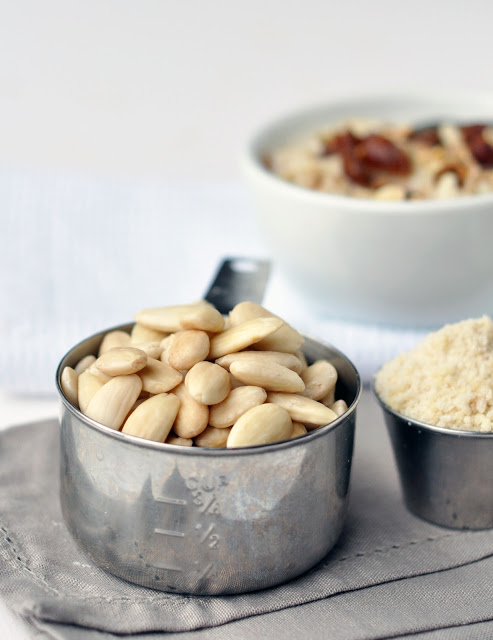 almond+milk+3.jpg
