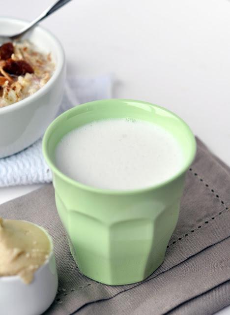 almond+milk+4.jpg