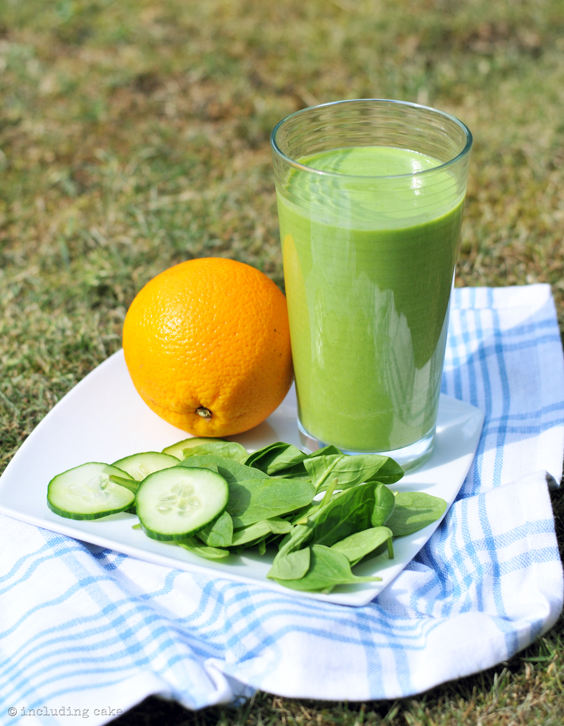 green smoothie1a.jpg
