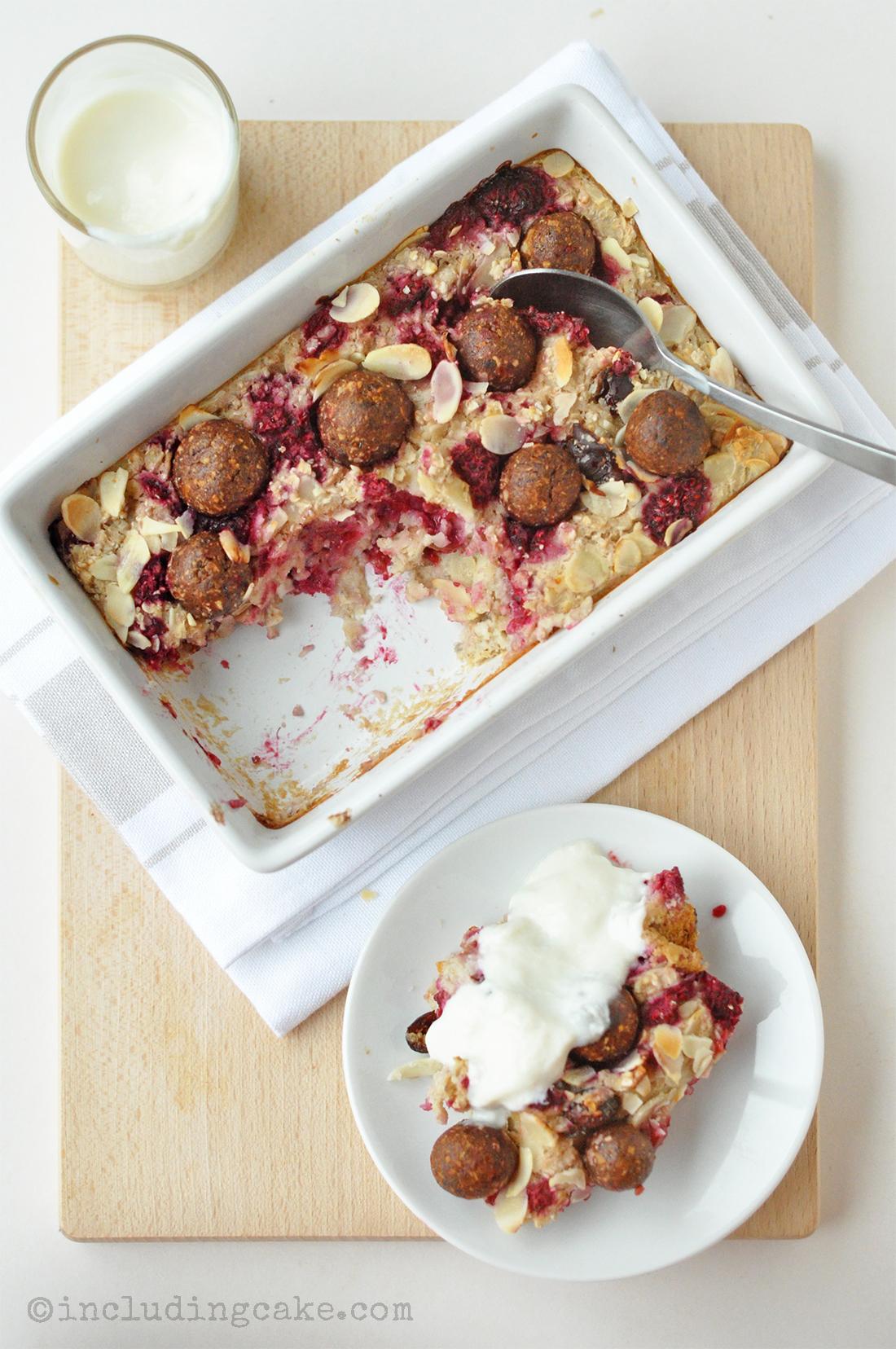 raspberry almond oatbake 3a.jpg