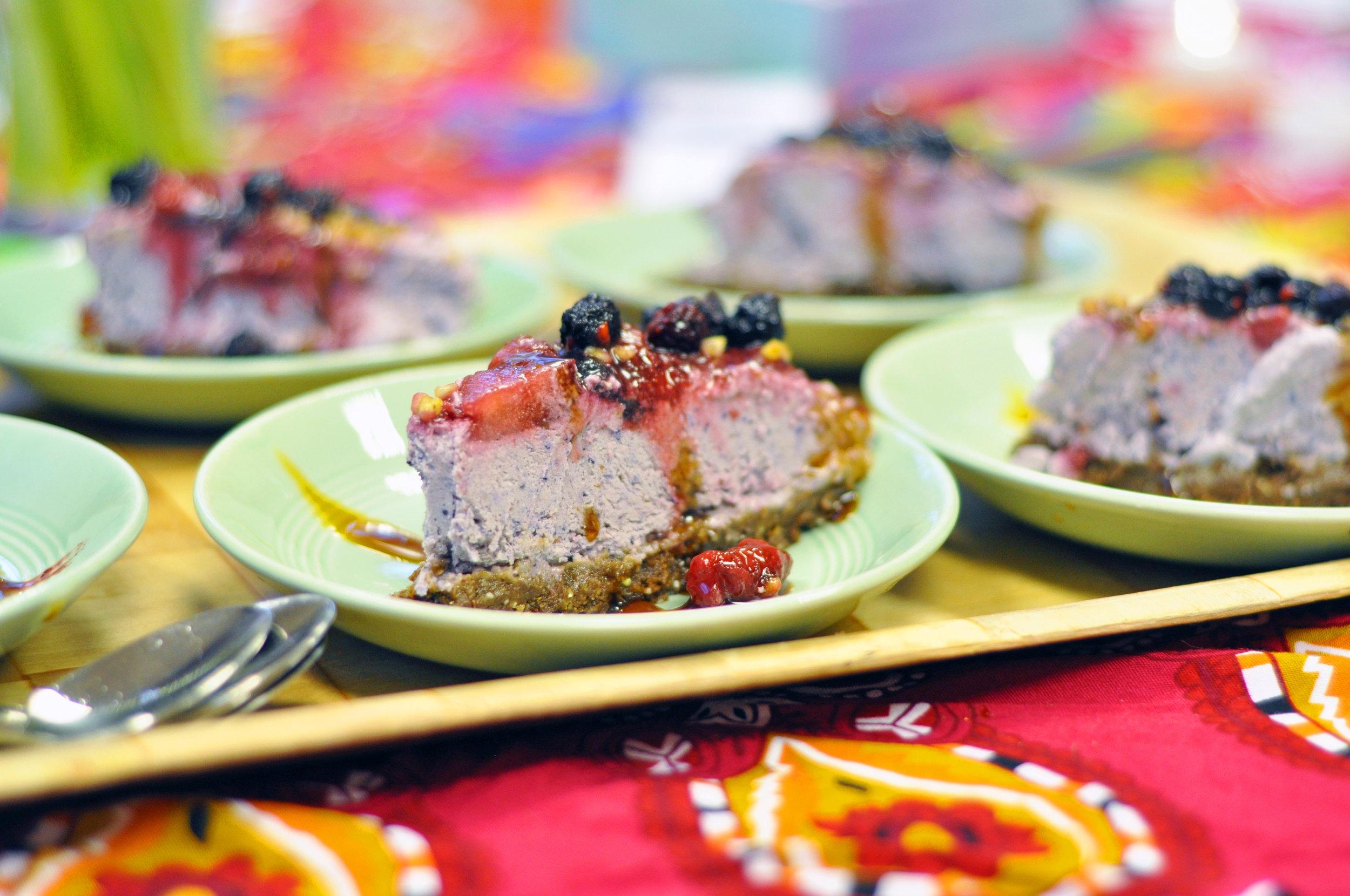 The wonderful raw cake... mmmmmm!