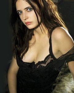 eva-green as vesper lynd.jpg
