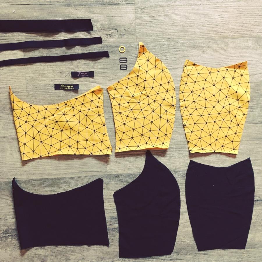 32dd yellow geometric crop top