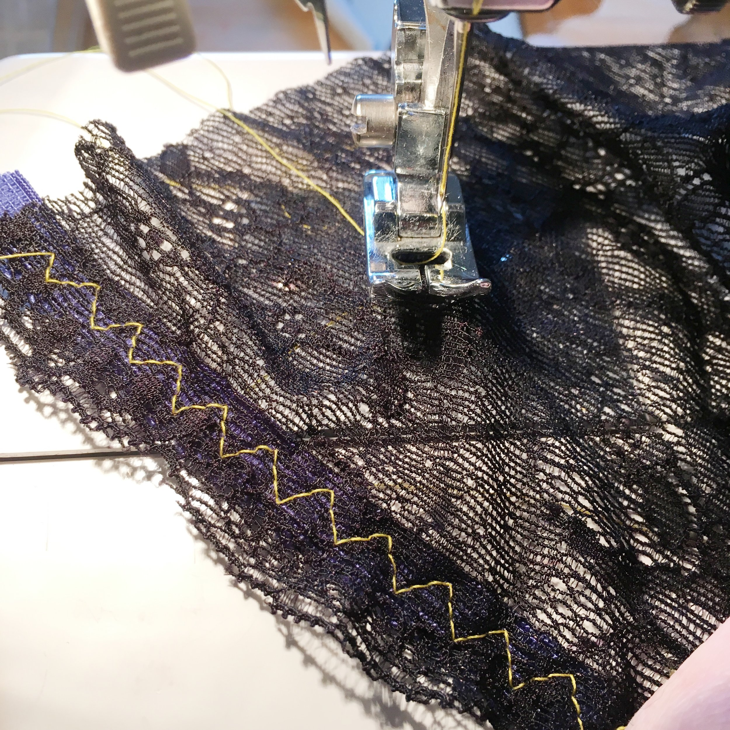 attaching elastic with 3-step