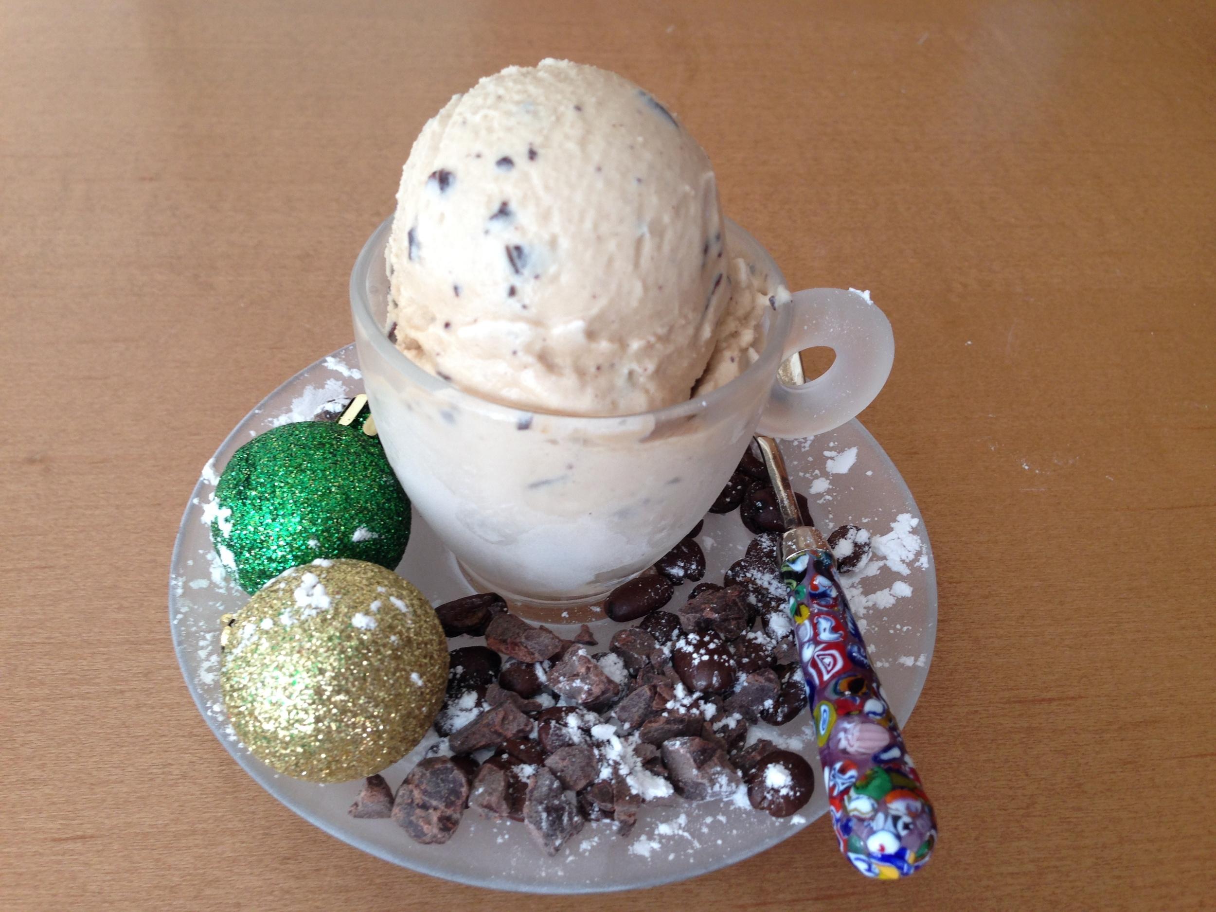 Illy Espresso with Domori cocoa mass flakes
