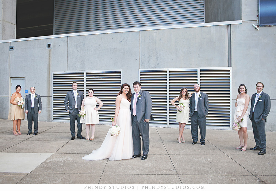bridal_party_downtown_Nashville.jpg