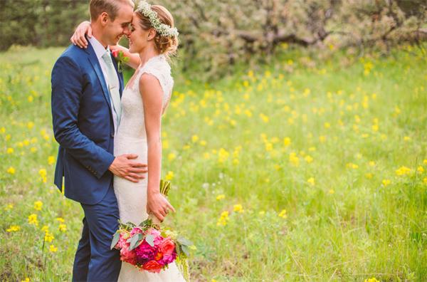 woodland romance wedding   monique lhuillier dress   anna bé denver