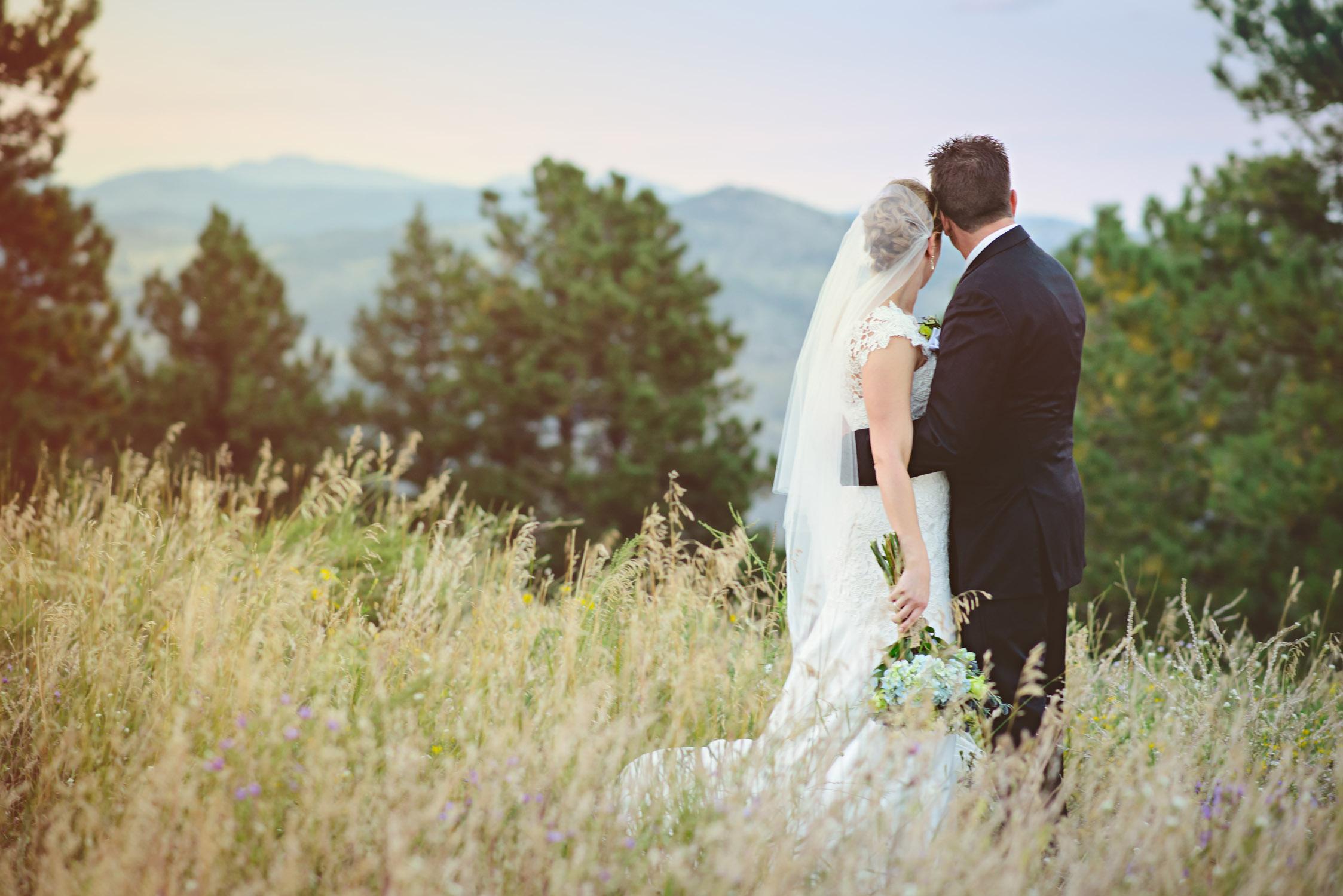 Joanna_Jason_Golden_Colorado_Wedding_11.jpg