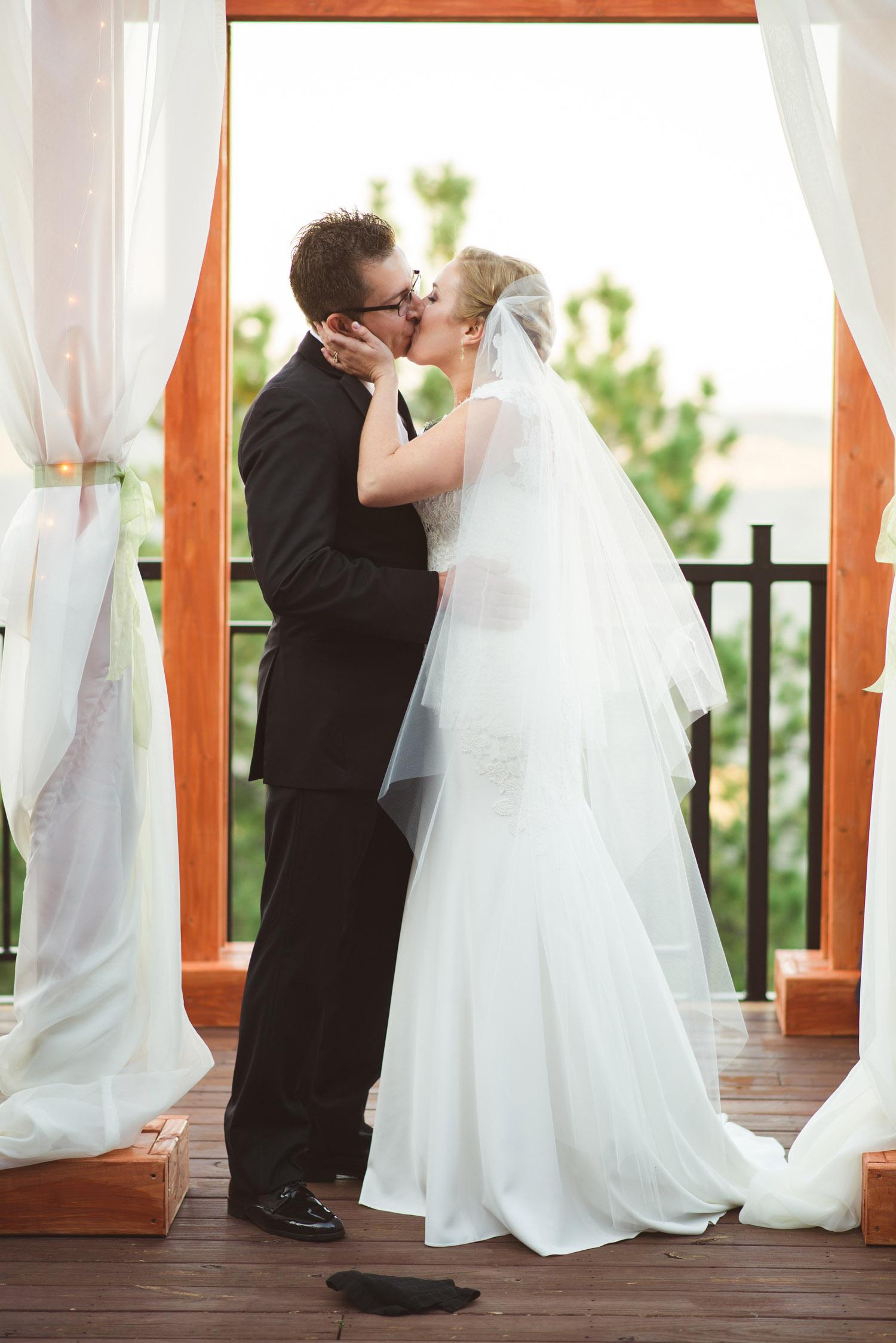 Joanna_Jason_Golden_Colorado_Wedding_7.jpg