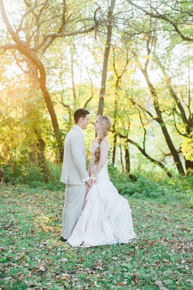 Katie_Andrew_Minnesota_Outdoor_Wedding_12.jpg