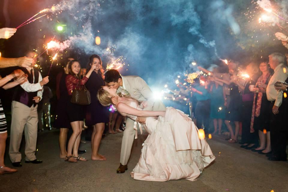 Katie_Andrew_Minnesota_Outdoor_Wedding_16.jpg