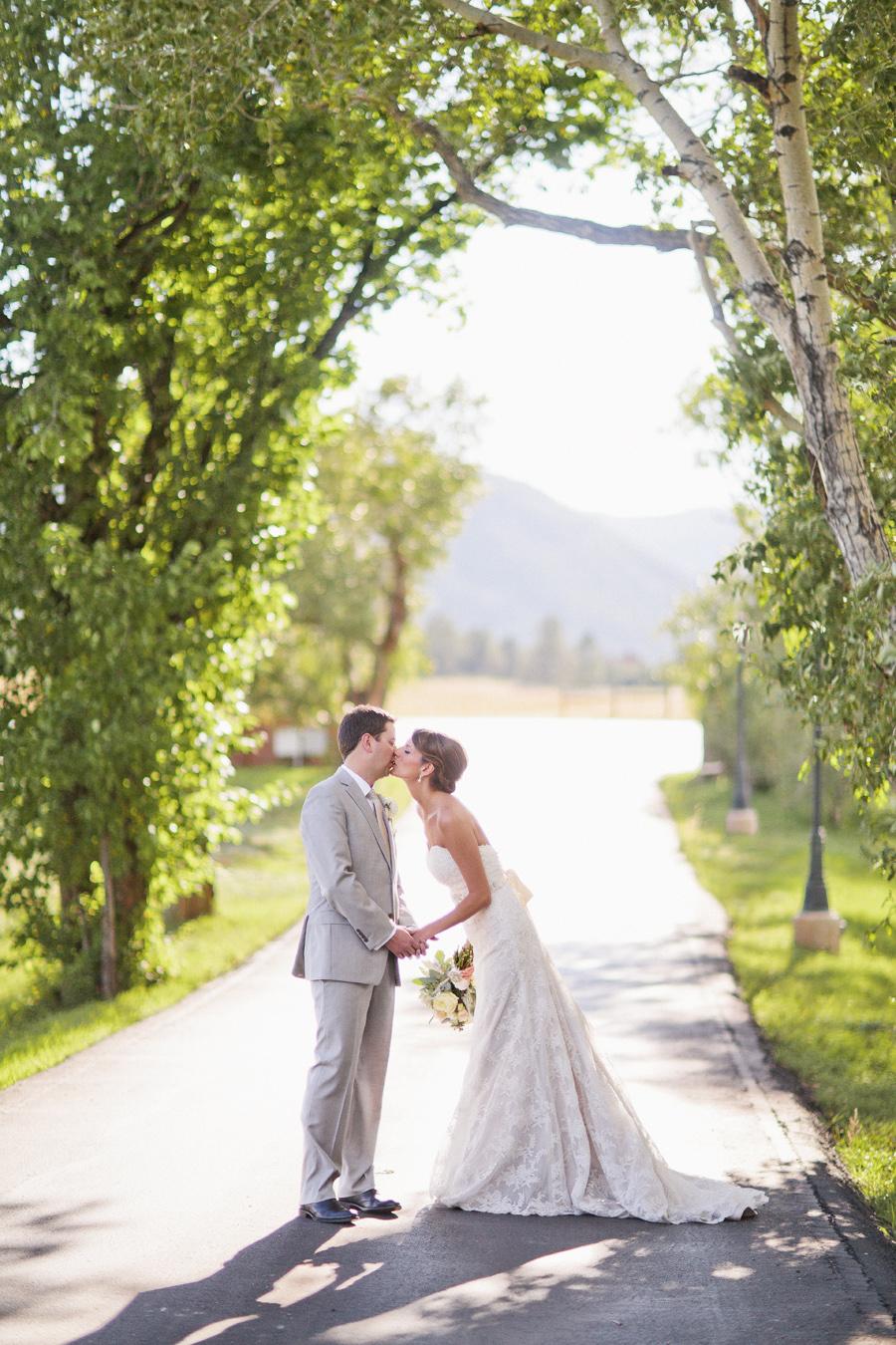 Emily_Todd_LarkspurColorado_Wedding_13.jpg