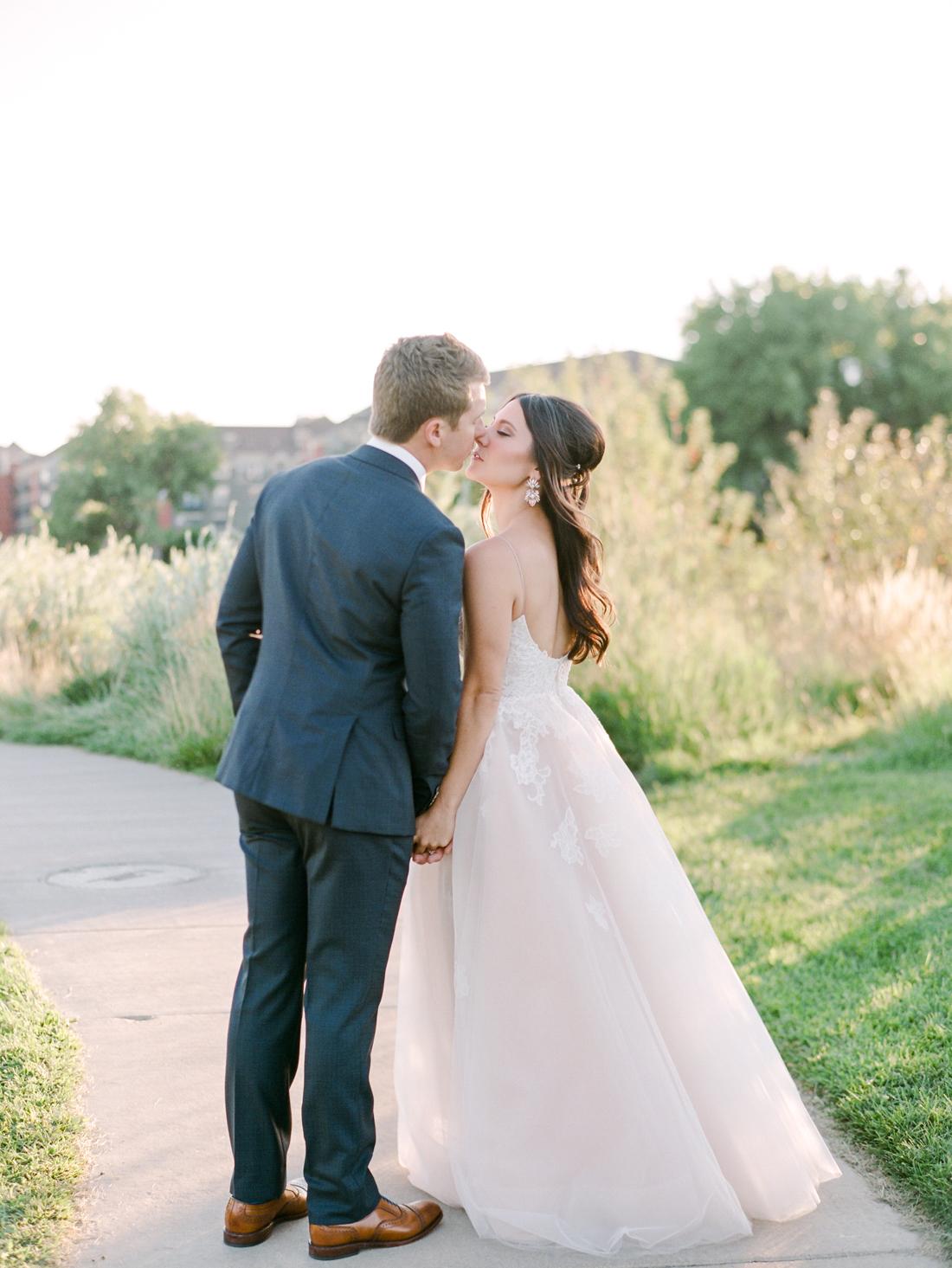 Kristin_Brett_TheKitchen_Denver_Wedding_by_Connie_Whitlock_web_295.jpg