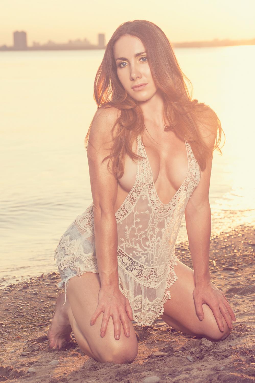 Toronto and Hamilton Fitness Bikini Photographer -Marek Michalek 002-2.jpg