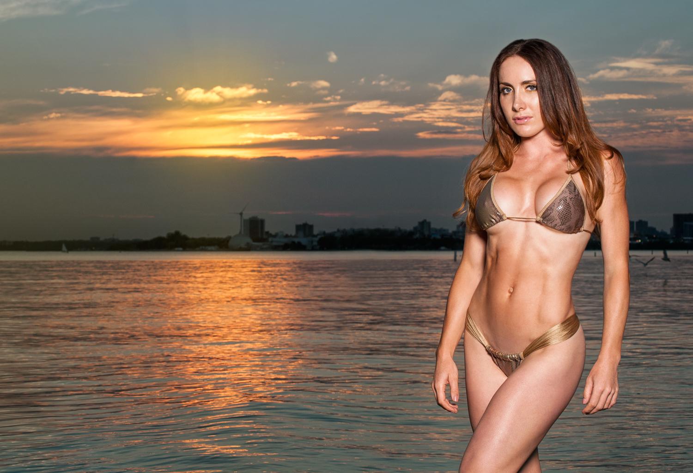 Toronto and Hamilton Fitness Bikini Photographer -Marek Michalek 003-2.jpg