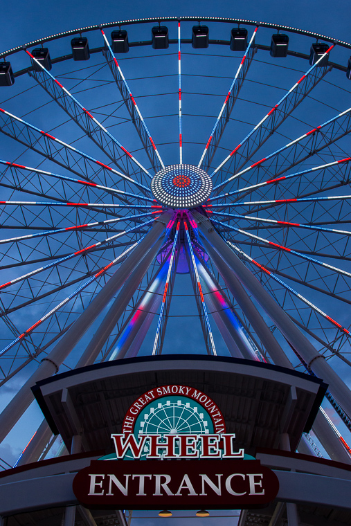 130709_Amy_Greener_The_Island_Pigeon_Forge_Ferris_Wheel_0002.jpg