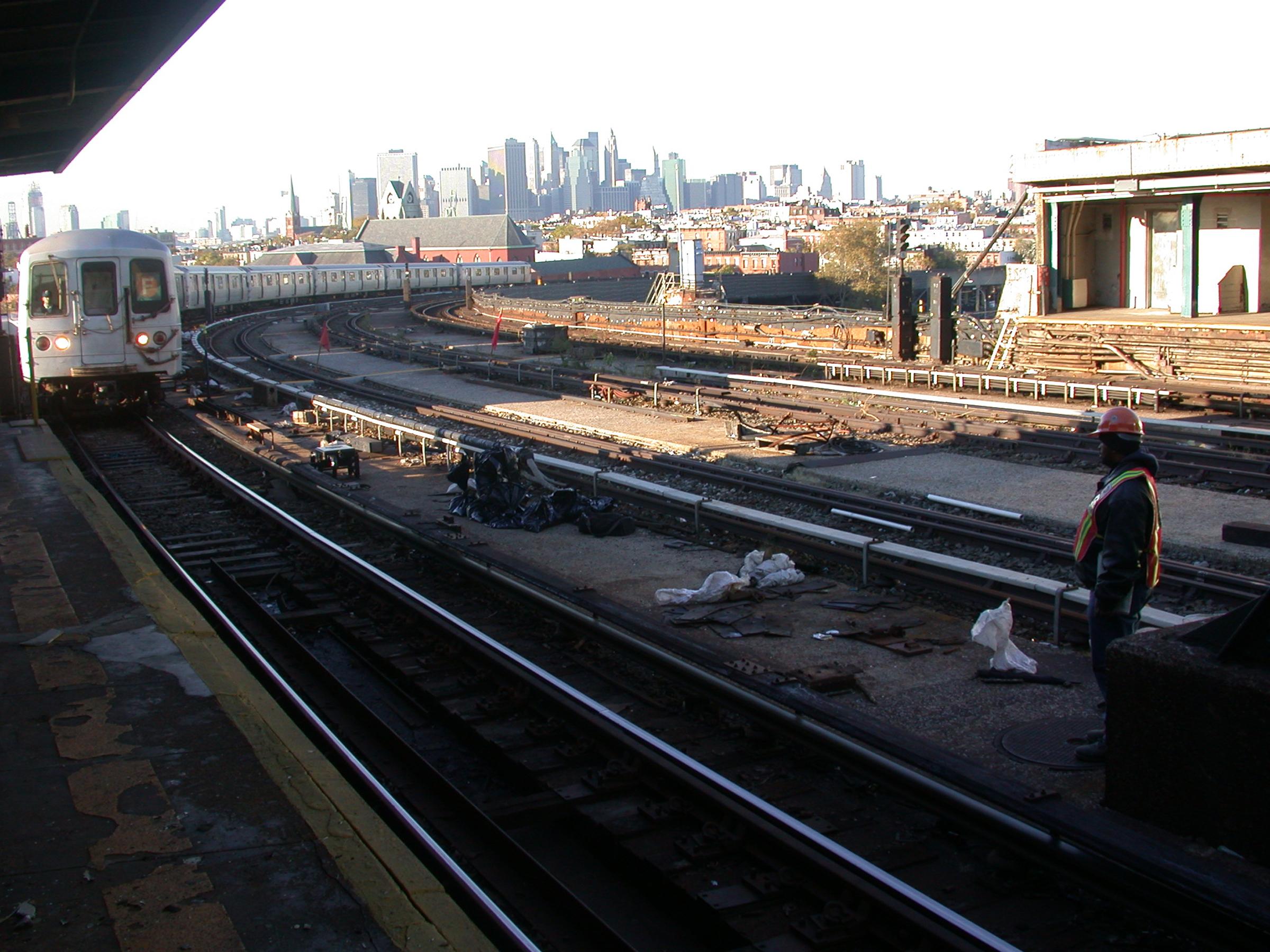 4th ave f train 2.jpg