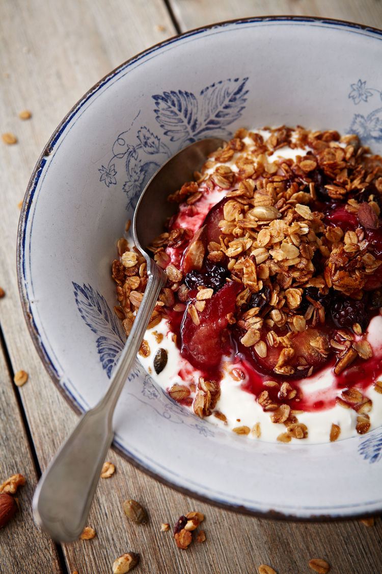food-photographer-london-photography-drinks-director-table-top-tabletop-advertising-editorial-packaging-pr-foodporn-granola-breakfast-baked-fruit-plums-yoghurt-oats-berries-brunch-healthy
