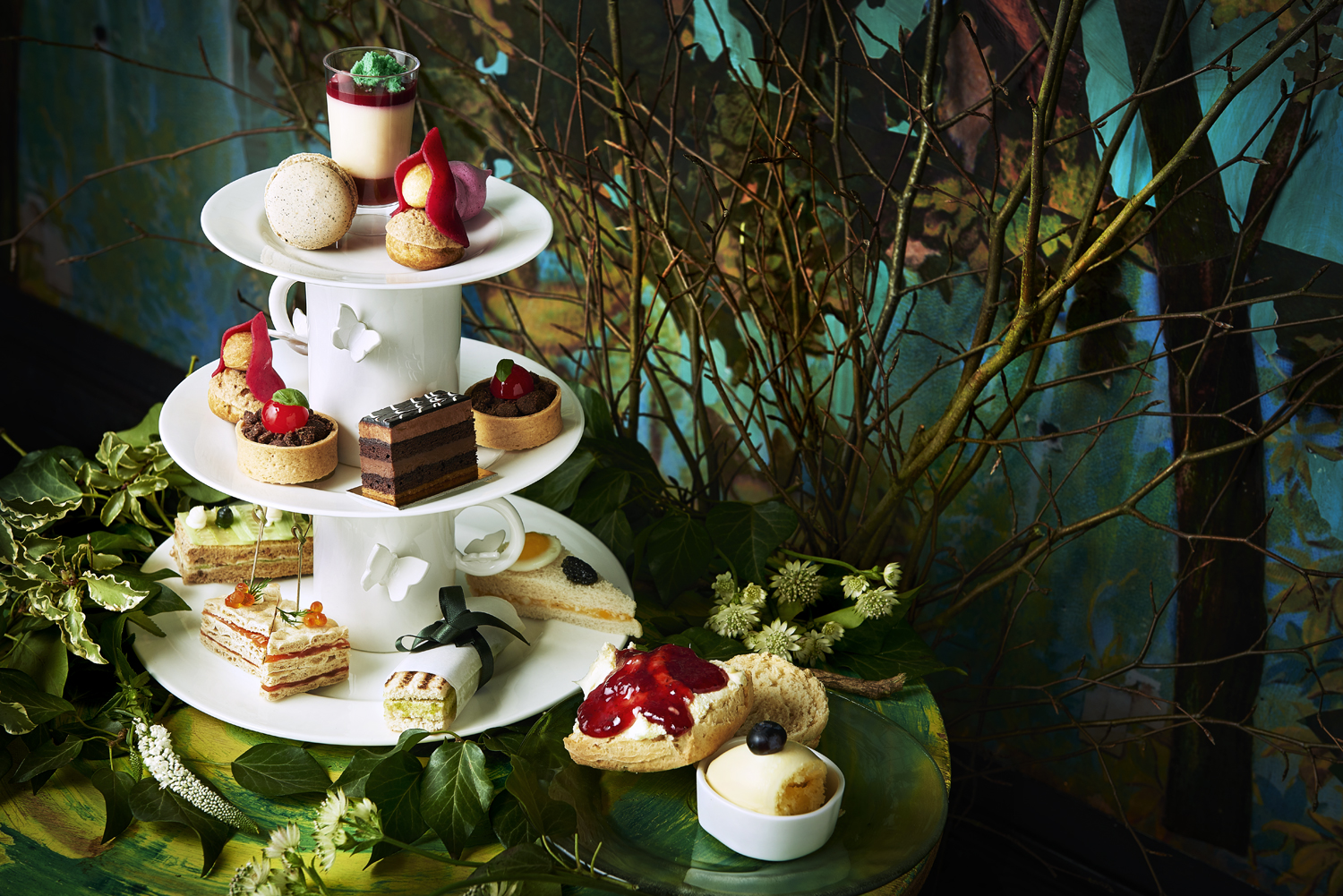 Food and drink photographer and tabletop director Scott Grummett based in London. Shooting Advertising, editorial, packaging, pr and more. Shown here is food photography from food photographer and director Scott Grummett of Sketch afternoon tea table cakes scene champagne scones jam cream