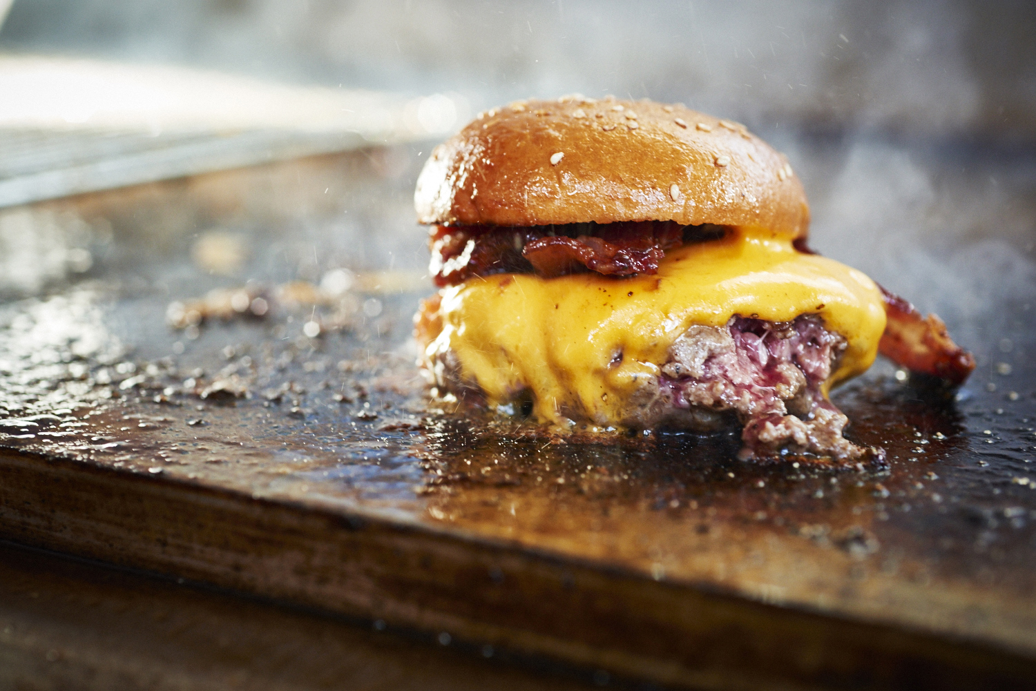food-photographer-london-photography-drinks-director-table-top-tabletop-advertising-editorial-packaging-pr-foodporn-national-burger-day-street-feast-mr-hyde-hydes-dalston-yard-burgers-cheeseburgers-mother-flippers-cheese-bacon