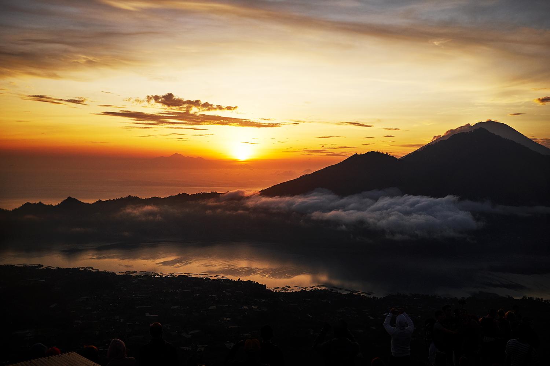 161110_Bali_SunriseVolcano4.jpg