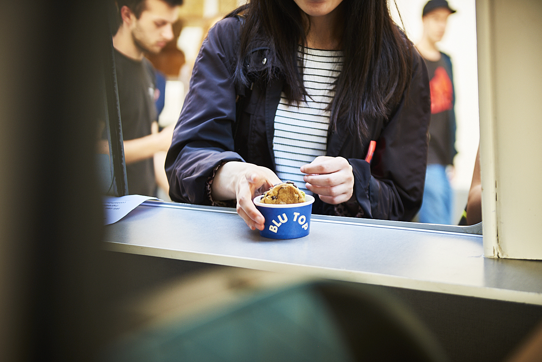 food-photographer-london-food-photography-recipe-recipes-streetfood-street-food-hall-foodhall-cookery-cooking-grummett-scott-scottgrummett-carnaby-street-fire-director-image-images-uk-worldwide-new-york-newyork-paris-blue-top-blu-blutop-ice-cream-icecream
