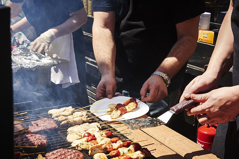 food-photographer-london-food-photography-recipe-recipes-streetfood-street-food-hall-foodhall-cookery-cooking-grummett-scott-scottgrummett-carnaby-street-fire-director-image-images-uk-worldwide-new-york-newyork-paris-blue-top-bbq-barbecue-fire