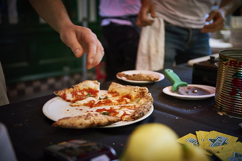 food-photographer-london-food-photography-recipe-recipes-streetfood-street-food-hall-foodhall-cookery-cooking-grummett-scott-scottgrummett-carnaby-street-fire-director-image-images-uk-worldwide-new-york-newyork-paris-blue-top-bbq-barbecue-fire-pizza-pizzapilgrims-pilgrims