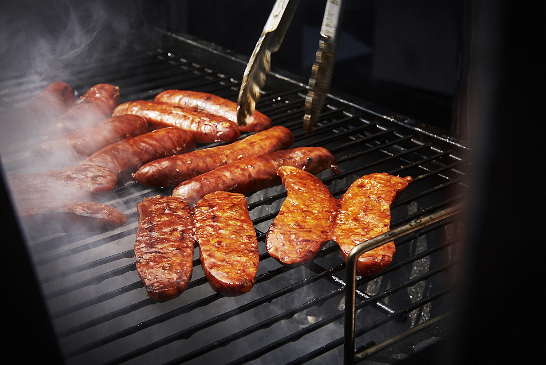 food-photographer-london-food-photography-recipe-recipes-streetfood-street-food-hall-foodhall-cookery-cooking-grummett-scott-scottgrummett-carnaby-street-fire-director-image-images-uk-worldwide-new-york-newyork-paris-blue-top-bbq-barbecue-fire-chorizo