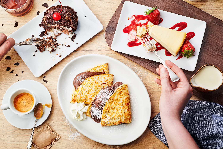 180511_Roadhouse_Menu_DessertsHANDSF.jpg
