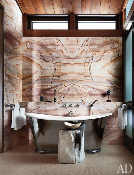 item10.rendition.slideshowWideVertical.studio-sofield-16-master-bath.jpg