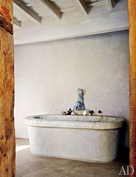 item6.rendition.slideshowWideVertical.labeque-08-bath.jpg