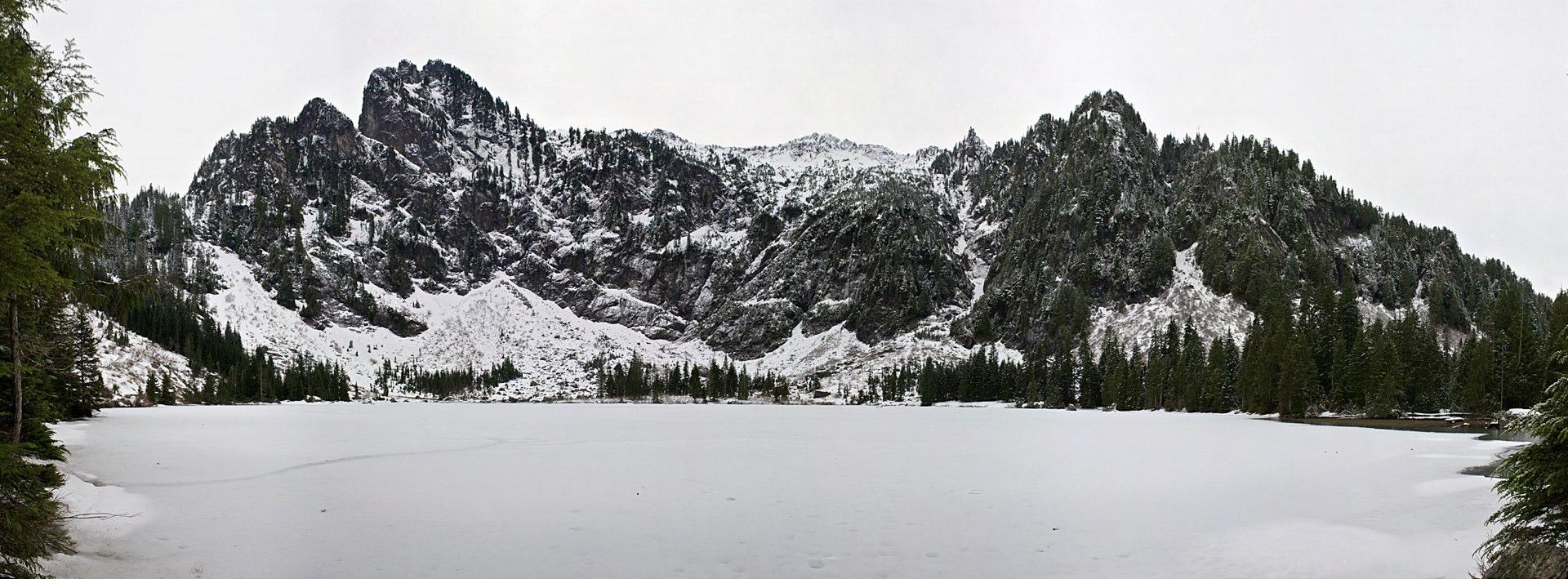 Heather Lake Pano.jpg