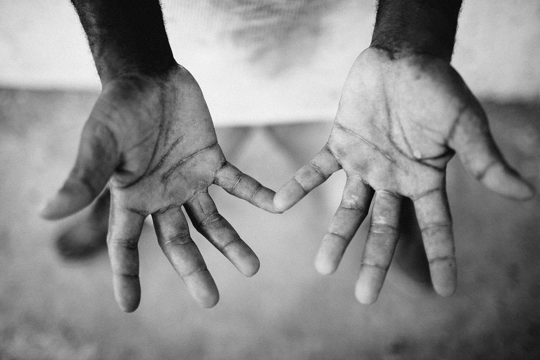 African man's hands
