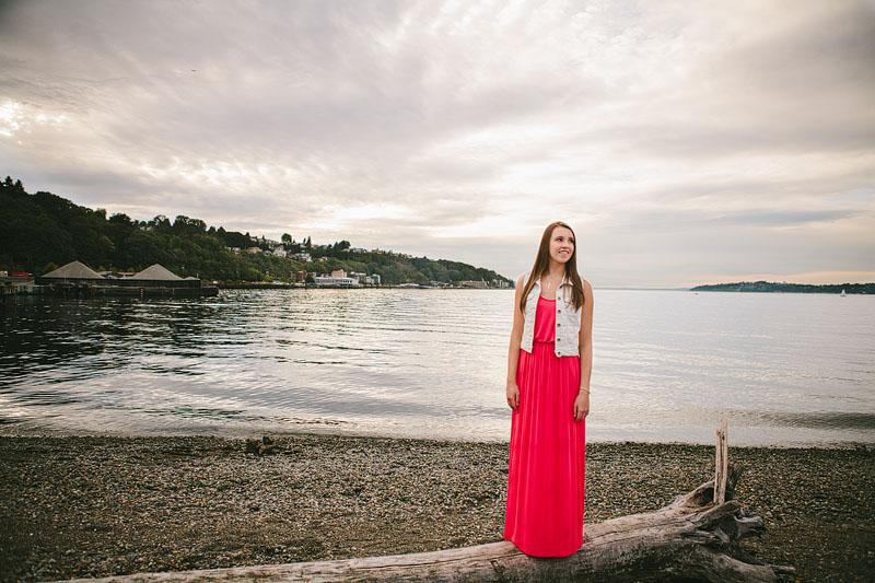 girl senior portraits in Seattle