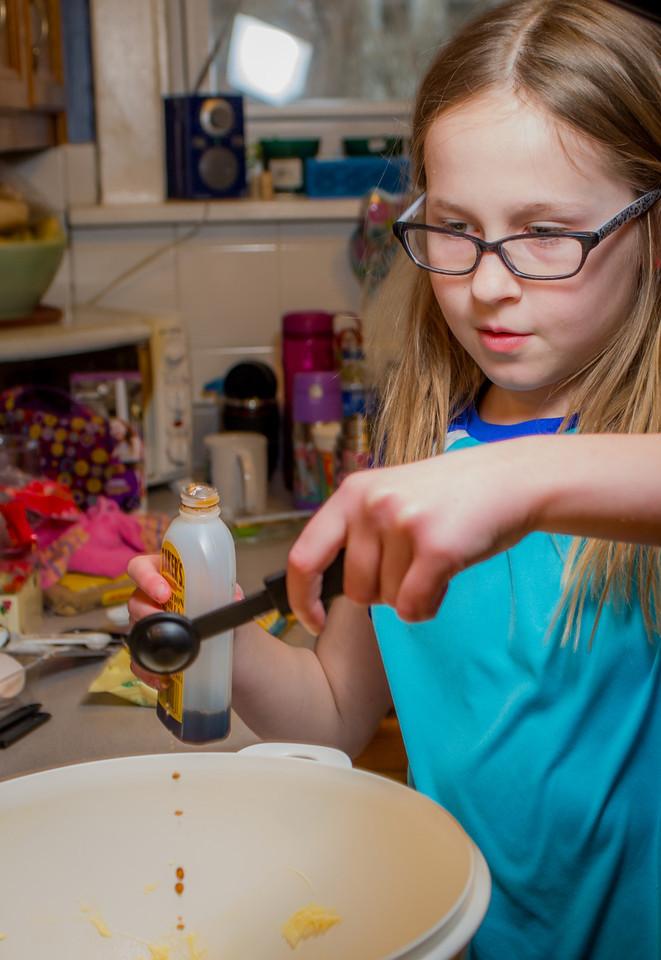 20140302-Baking Cookies-PMG_4622-X2.jpg