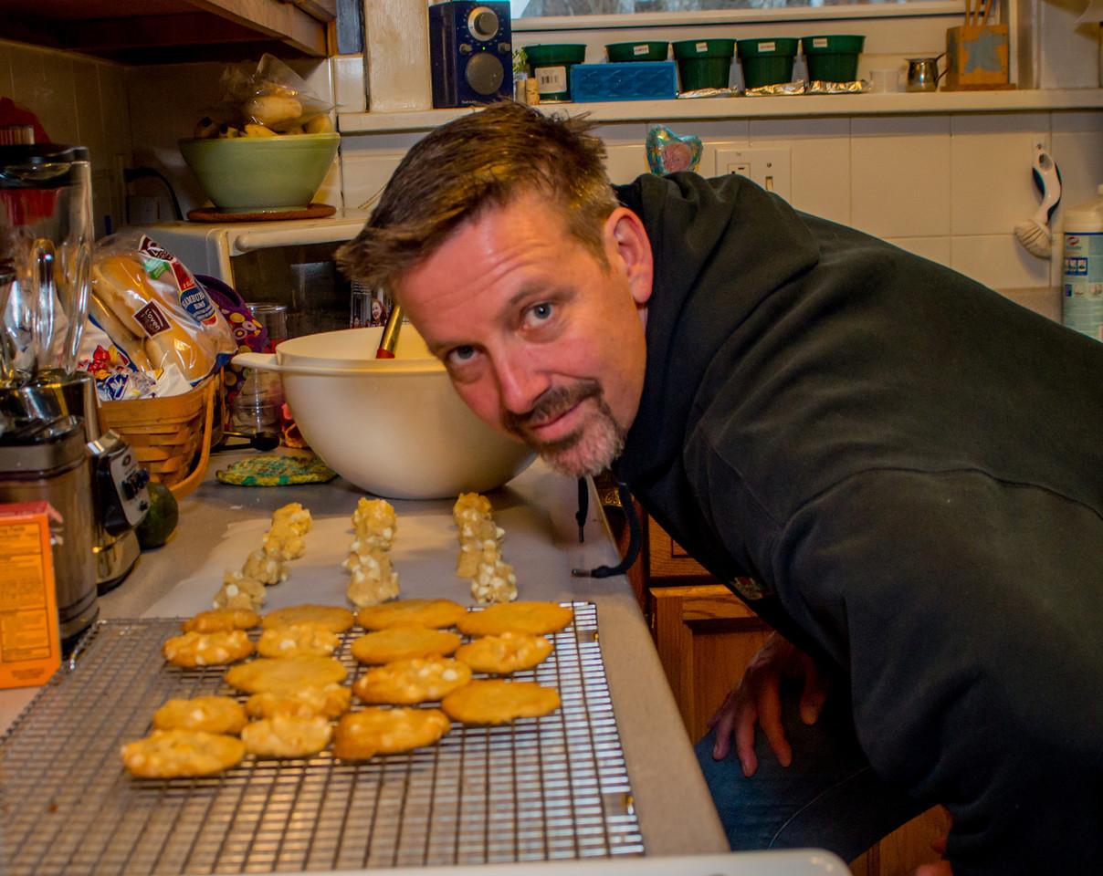 20140302-Baking Cookies-PMG_4689-X2.jpg