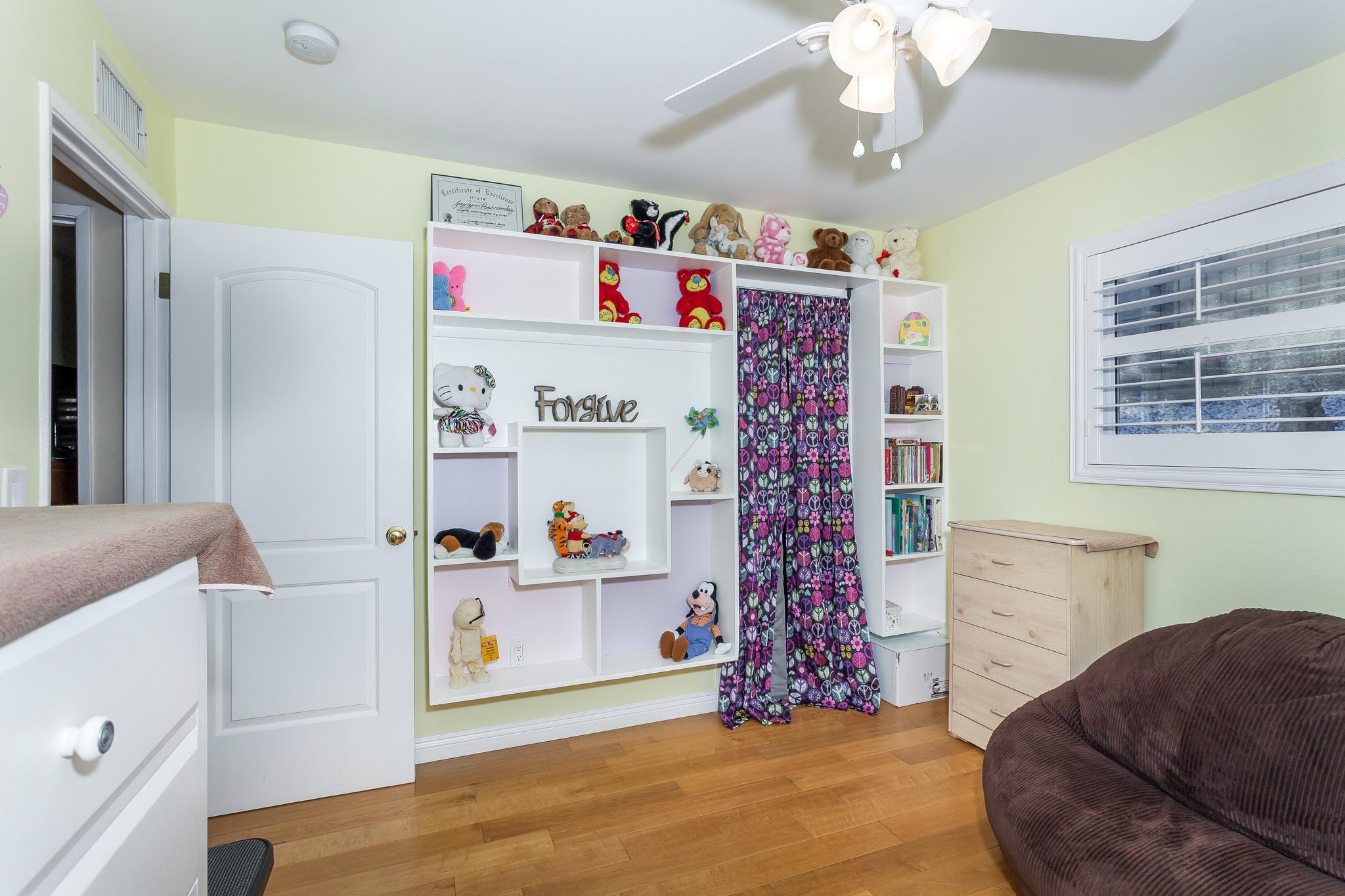 reverse view of third bedroom
