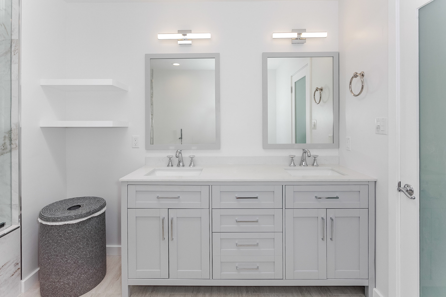 bathroom remodel photography