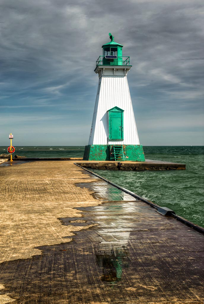 Fort Dalhousie Harbor Lighthouse, St. Catharines, Ontario