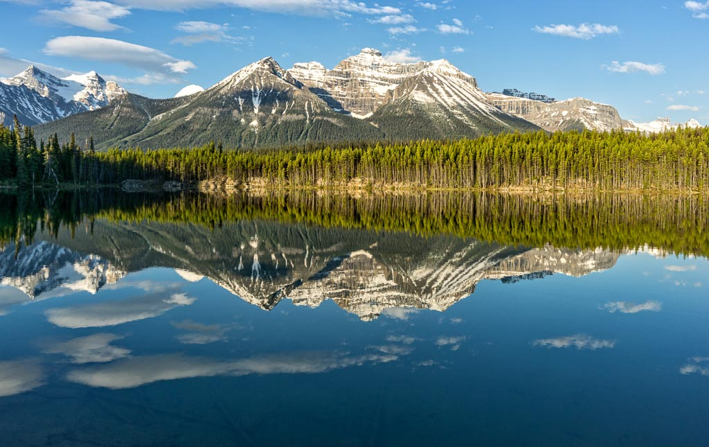 Herbert Lake, Icefields Parkway, Banff National Park, Alberta, Canada