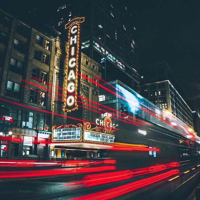 I see it, the lights of home. . . . . . . .  #photooftheday #igerschicago #visualsoflife #justgoshoot #artofvisuals #aov #peoplescreatives #exploretocreate #watchthisinstagood #moodygrams #gramslayers #ig_masterpiece #insta_chicago #flippinchi #artofchi #thecreatorclass #chicago #chiarchitecture #mychicagopix #insta_chicago #a6000 #visualseduction #illgrammers #mlmtr #chicagoshot #gramslayers #instagood #streetphotography #heatercentral