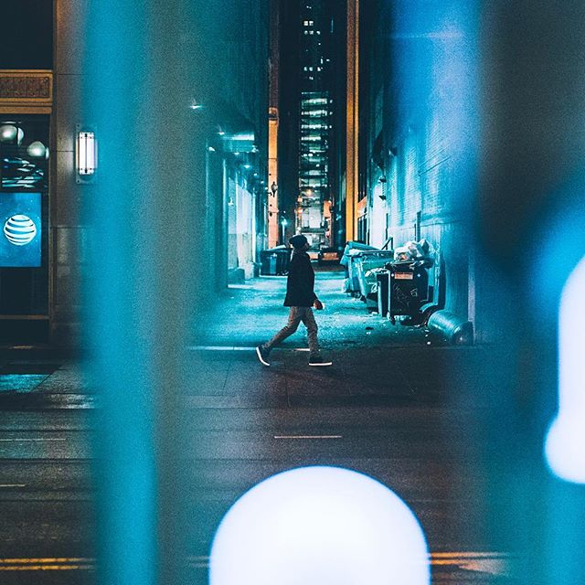 Step out of the driving rain. . . . . . . .  #photooftheday #igerschicago #visualsoflife #justgoshoot #artofvisuals #aov #peoplescreatives #exploretocreate #watchthisinstagood #moodygrams #gramslayers #ig_masterpiece #insta_chicago #flippinchi #artofchi #thecreatorclass #chicago #chiarchitecture #mychicagopix #insta_chicago #a6000 #visualseduction #illgrammers #mlmtr #chicagoshot #gramslayers #instagood #streetphotography #heatercentral