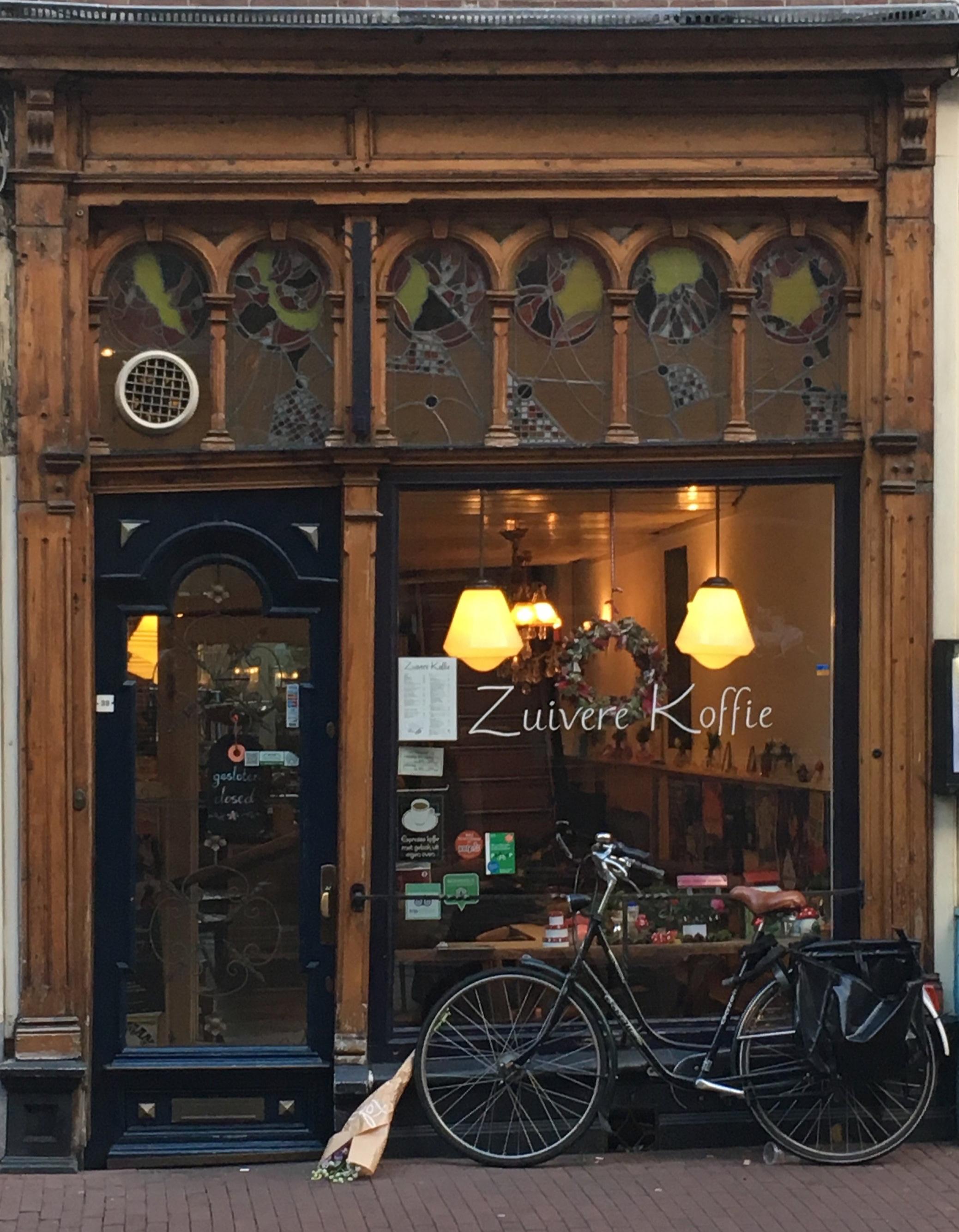 Cafe+in+Amsterdam.jpg