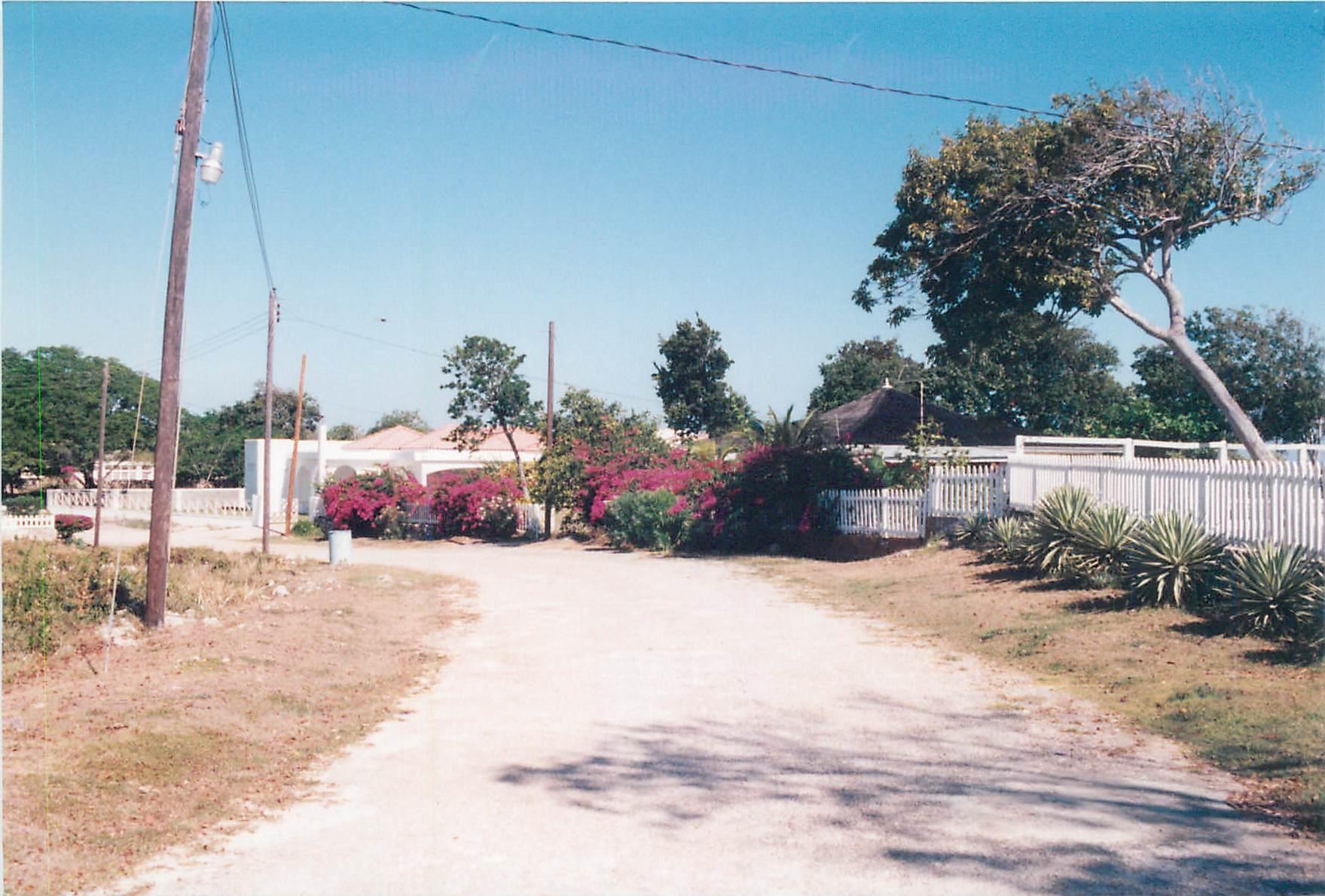 Road in front of Rum Jetty 1997.jpg