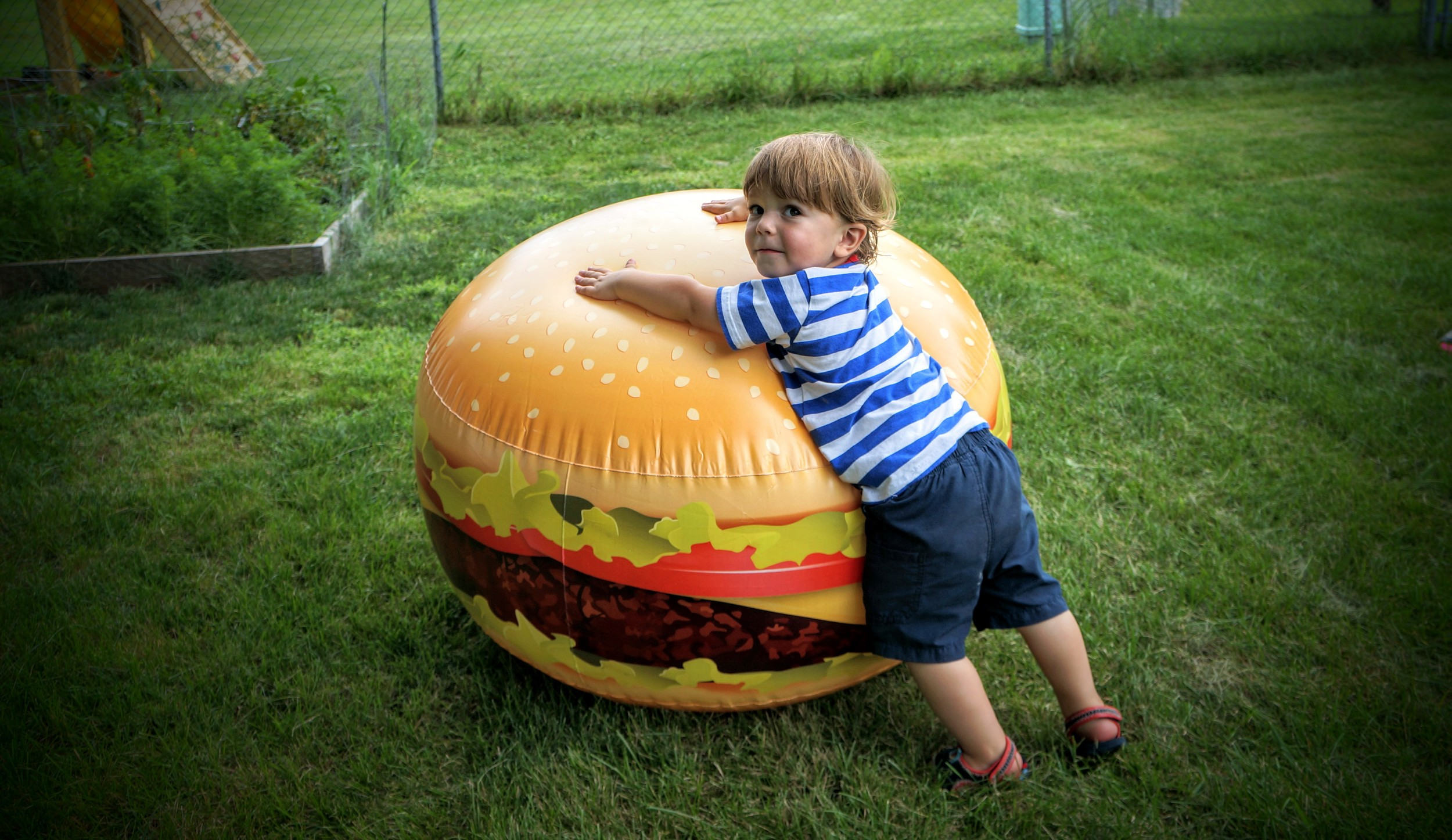Giant Cheeseburger!