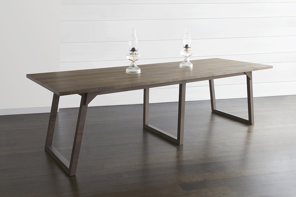 Familj Dining Table