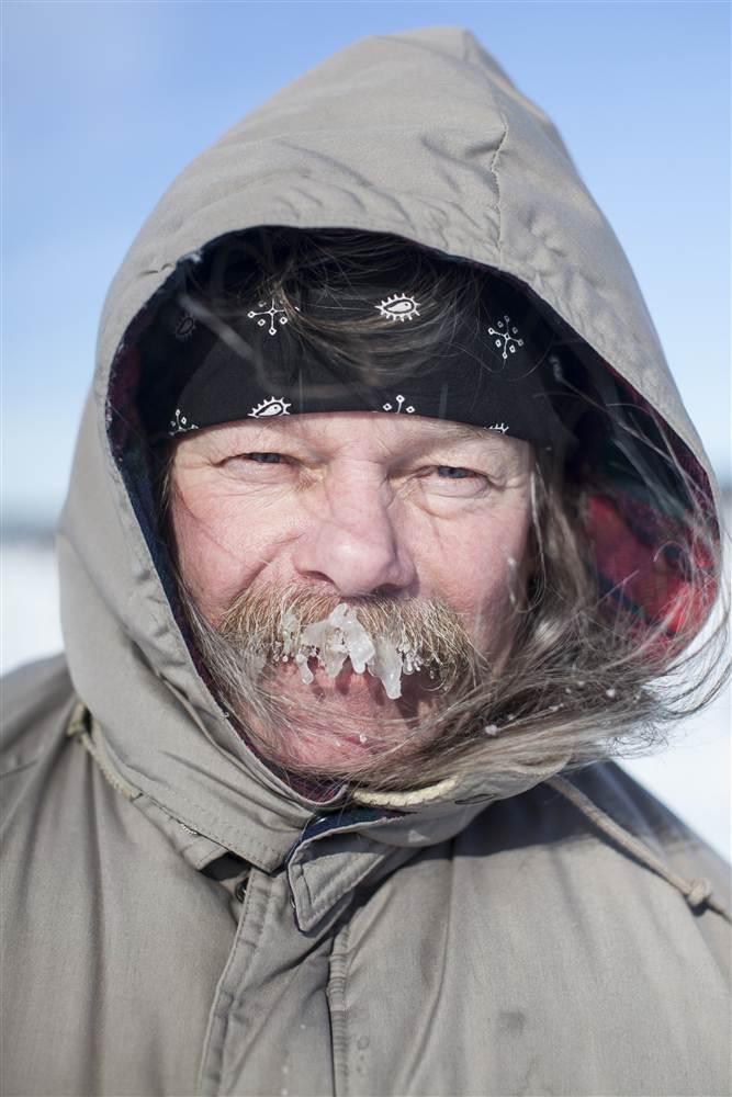 ss-140203-minn-ice-fishing-10.nbcnews-ux-680-1000.jpg