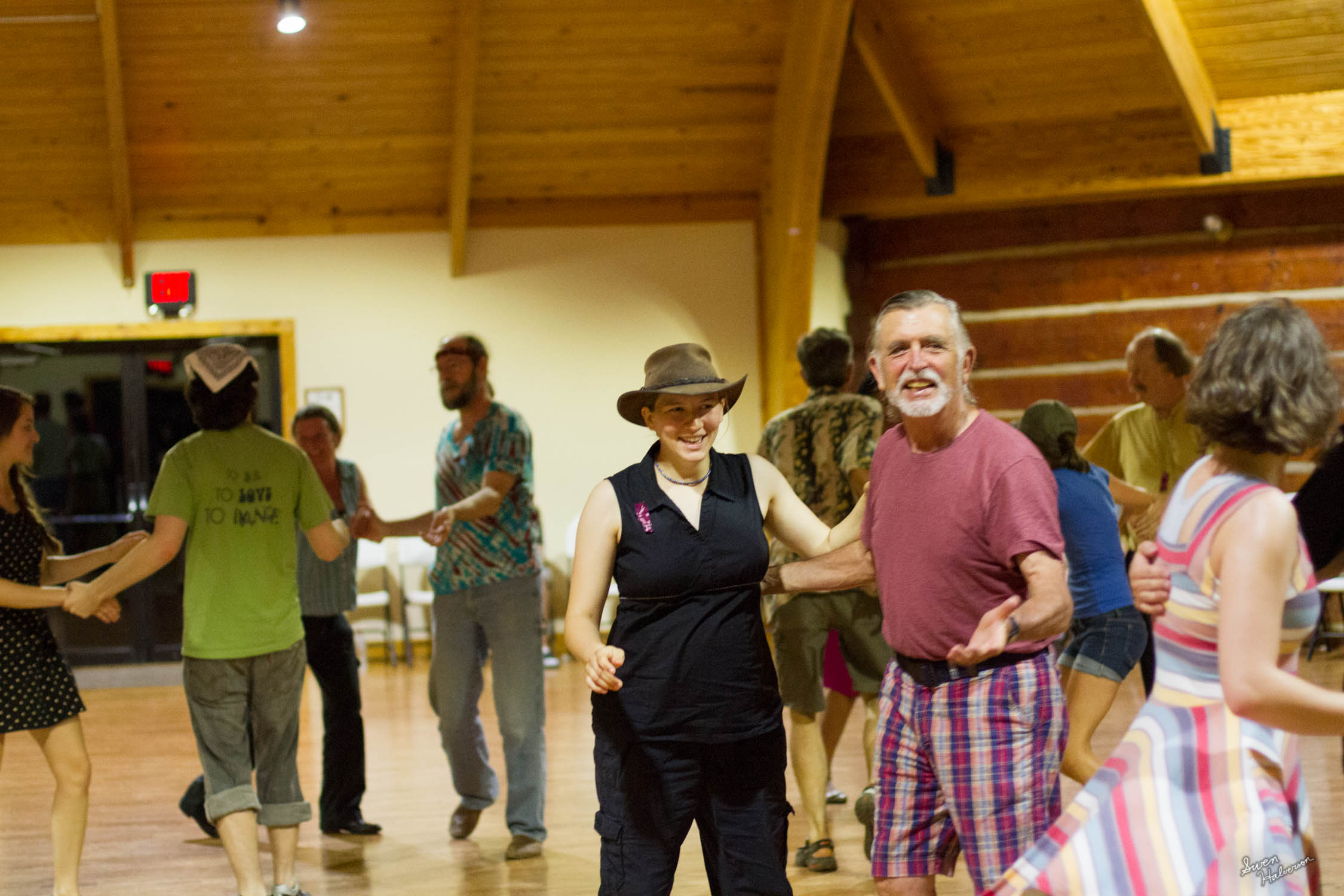 Contra dancing in Berea-004.jpg