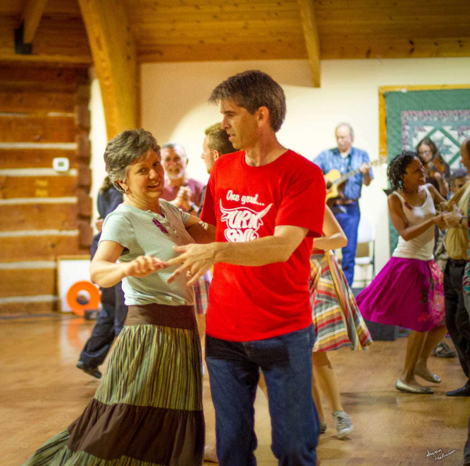 Contra dancing in Berea-010.jpg